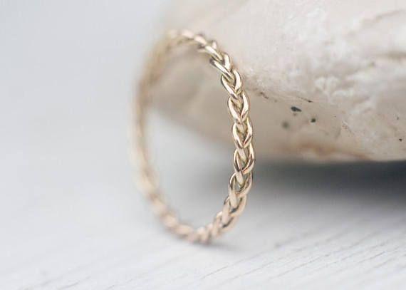 Banda de boda única, banda de oro trenzada, unisex, banda de oro de 14k, banda minimalista única para él y para ella