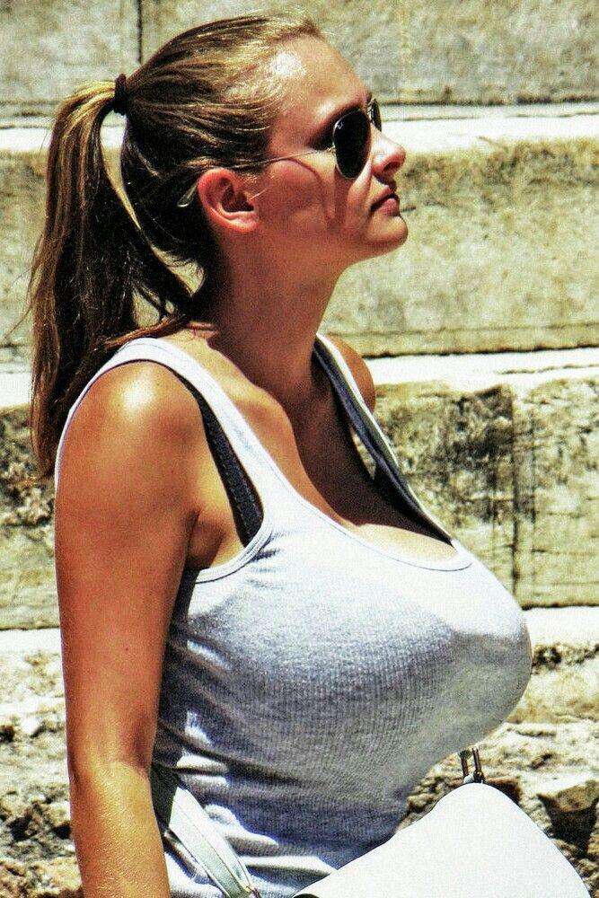 Skinny body heavy titties | Big | Pinterest | Boobs
