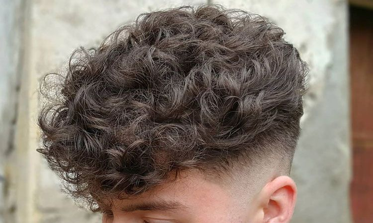 How To Get Curly Hair For Men 2020 Guide Curly Hair Photos Haircuts For Curly Hair How To Curl Short Hair