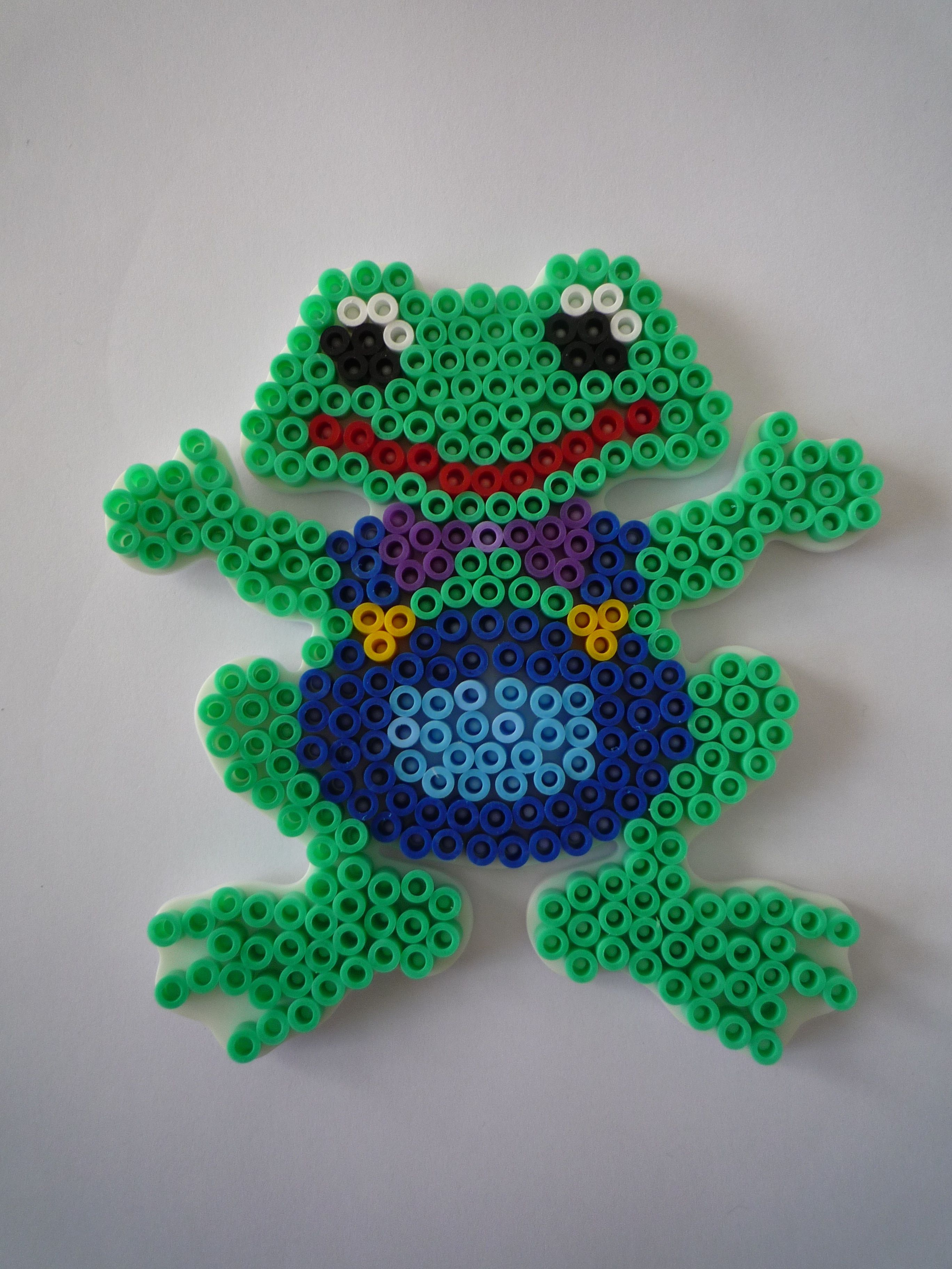 frog hama beads by flokitty frogs pinterest hama perlen tiere b gelperlen vorlagen und. Black Bedroom Furniture Sets. Home Design Ideas