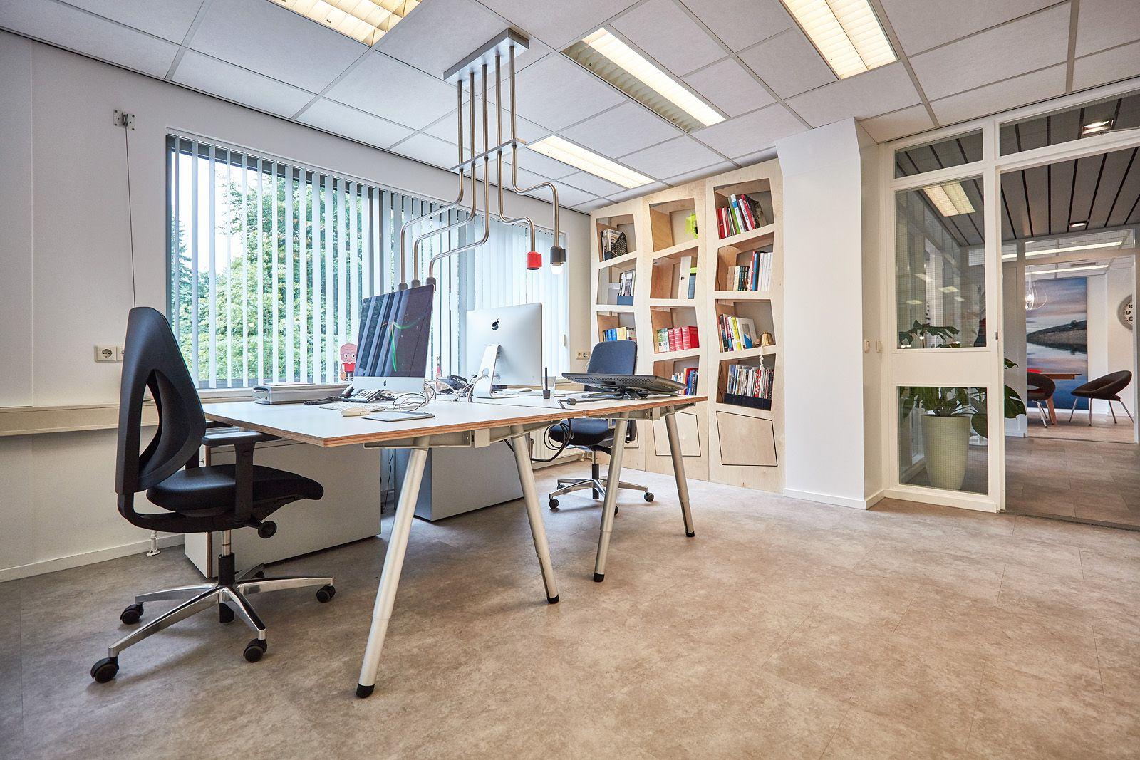 Modern Kantoor Interieur : Modern office u modern kantoor waar het creatieve proces tot bloei