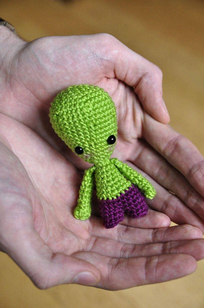 Make It: Alien - Free Crochet Pattern #crochet #amigurumi #free ...