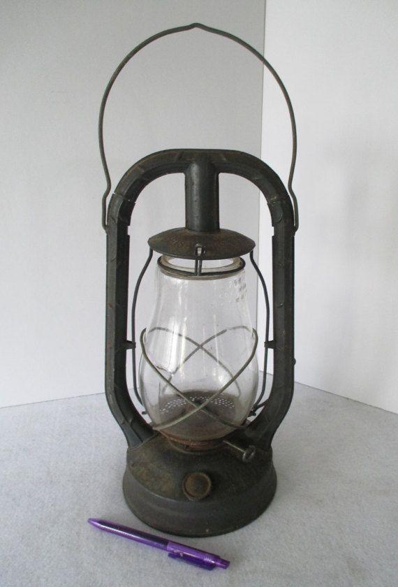 Dietz Style Kerosene Lantern Vintage Railroad Oil Lamp Rustic Hanging Hurricane Barn Light Country Ranch Farm Cottage Outdoors Garden Decor