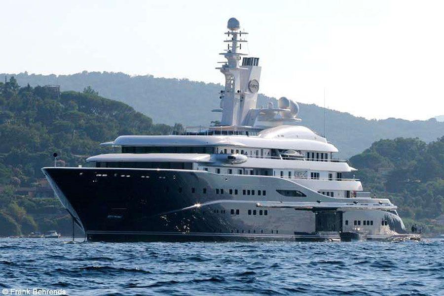 superyacht luxe plus yacht cher du monde al mirqab 250 millions yachts pinterest. Black Bedroom Furniture Sets. Home Design Ideas
