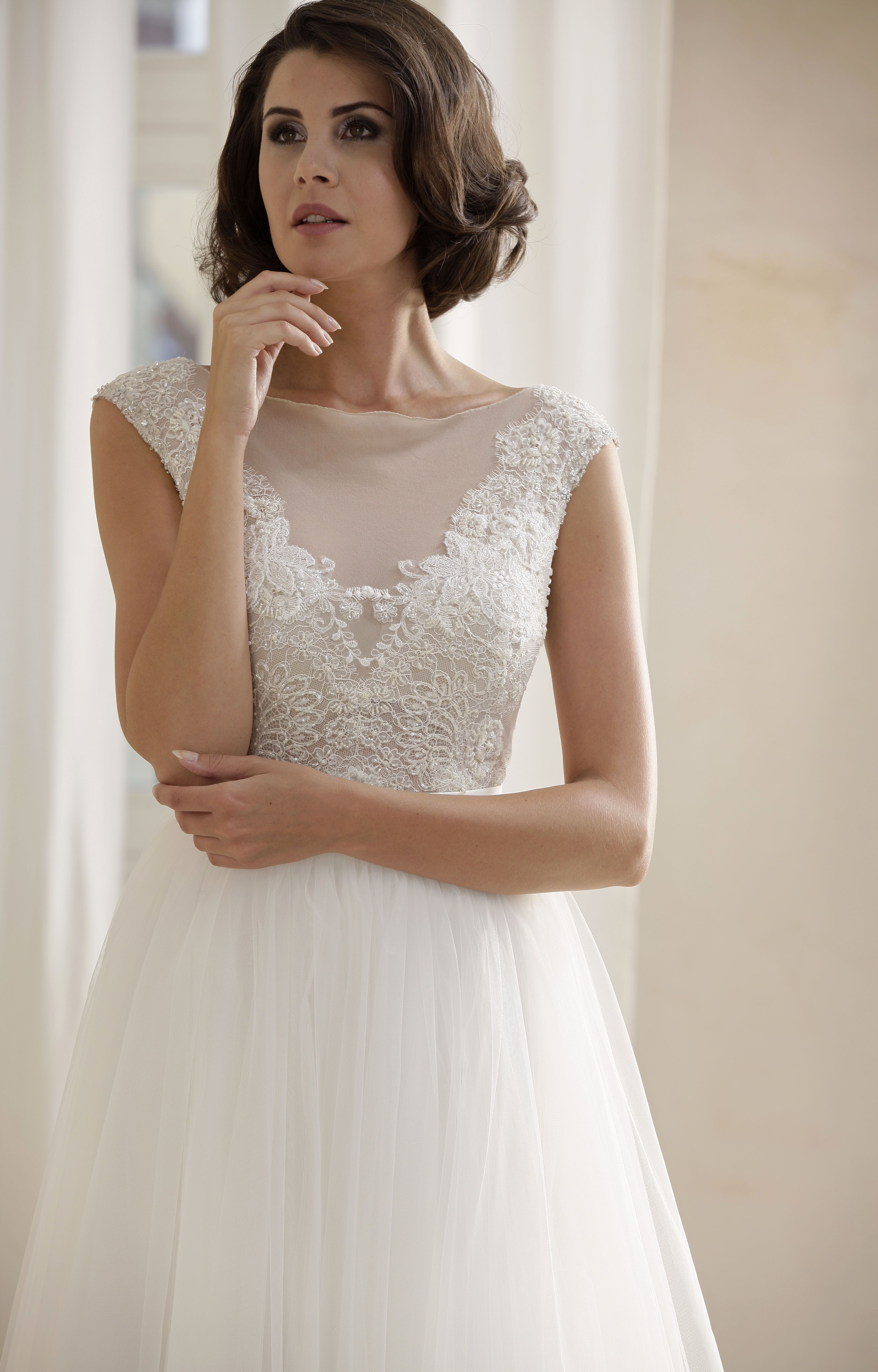 Modell Jolie Mit Tulle Skirt 734 Silk Lace Hochzeitskleider