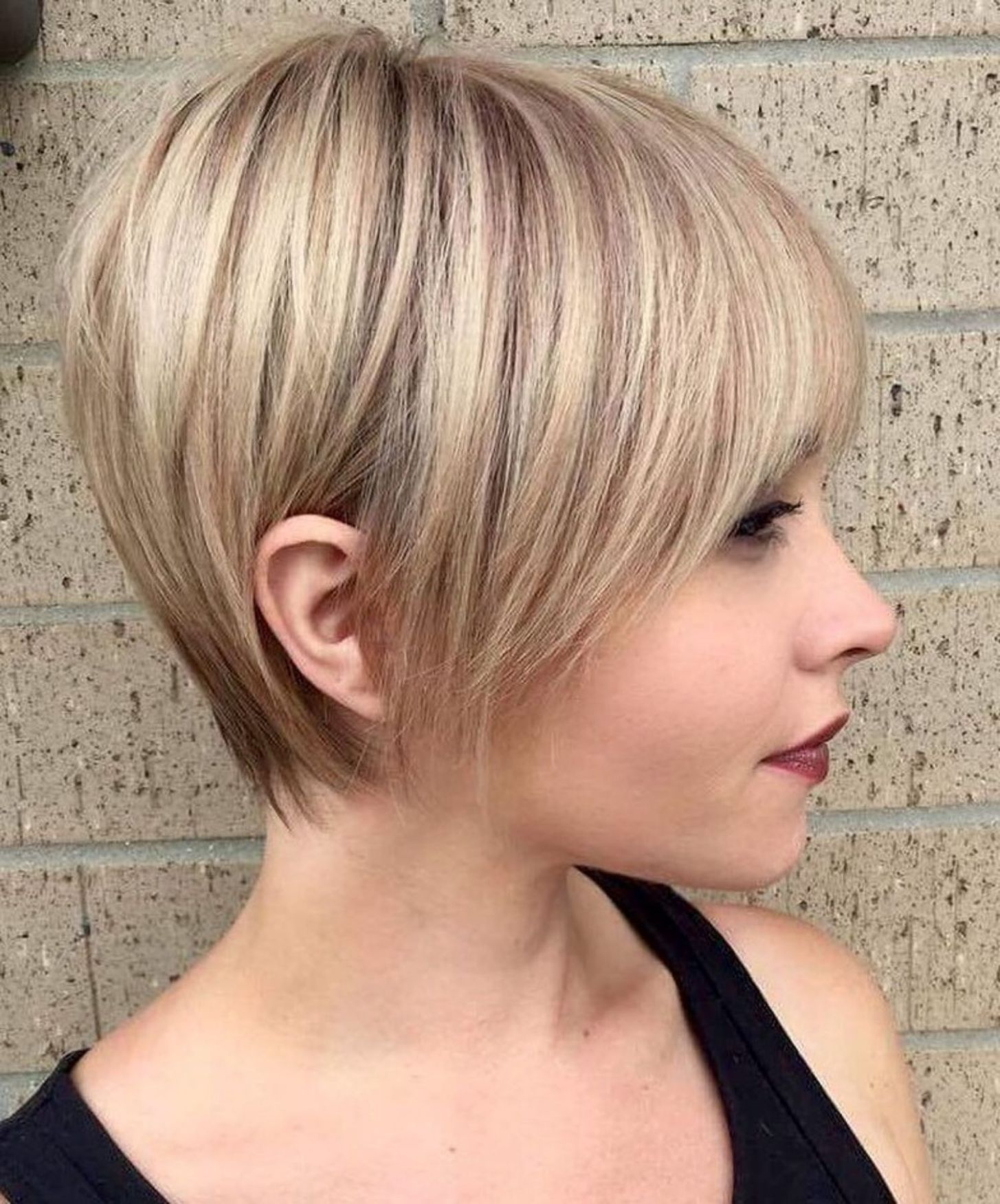 50 Super Cute Looks with Short Hairstyles for Round Faces | Short hair with  layers, Thick hair styles, Longer pixie haircut