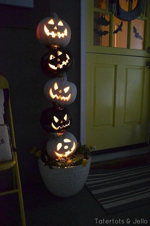 Einfach und billig DIY Halloween-Projekt: DIY BW Kürbis Topiary Tutorial