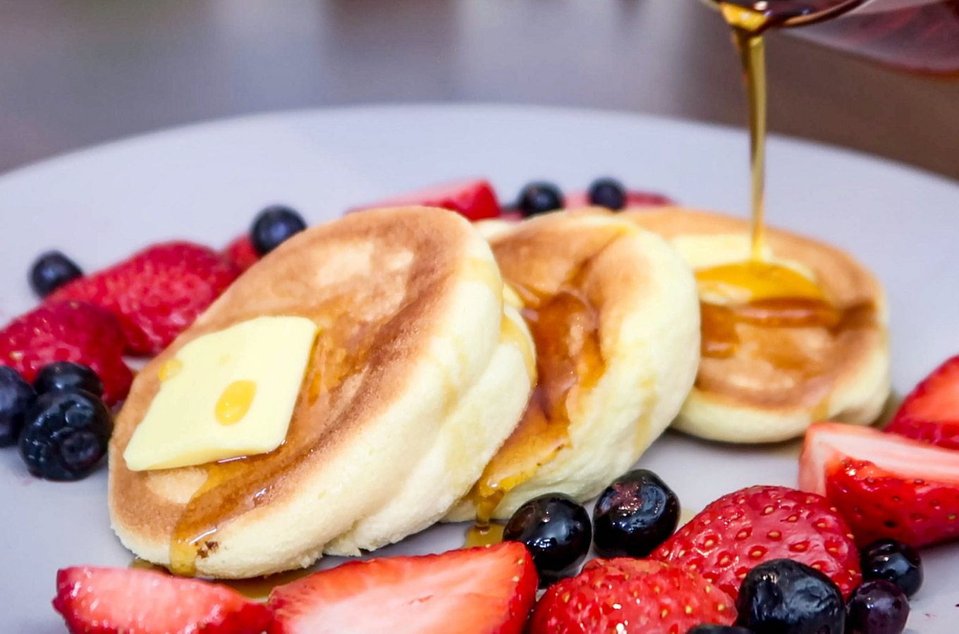 Souffle Pancakes Lessons Learned Recipe In 2020 Souffle Pancakes Brunch Cafe Pancakes
