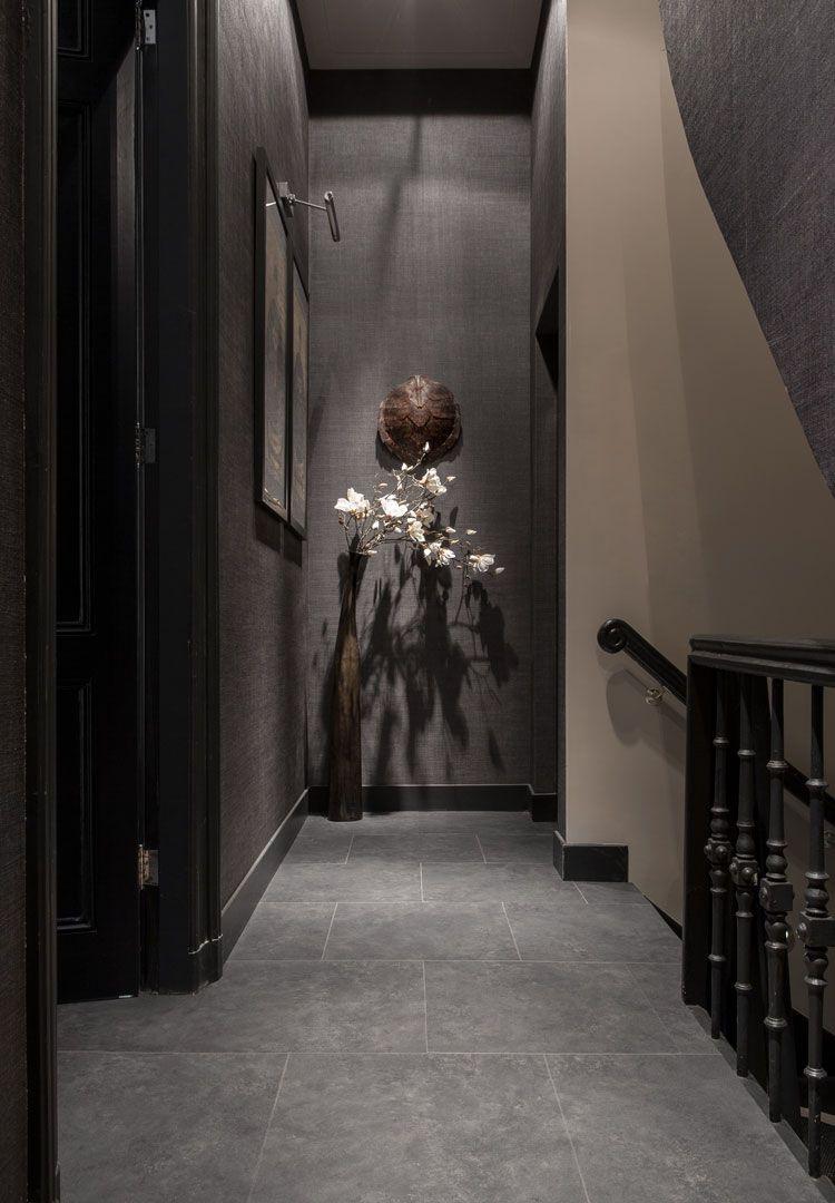 Dieser Vinylboden In Perlato Steinoptik Passt In Verschiedene Einrichtungen Effektvoll Im Badezimmer Und Donkere Interieurs Huiskamerideeen Vloeren