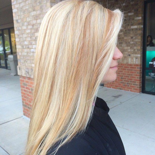 Pin On Blonde Bombshells