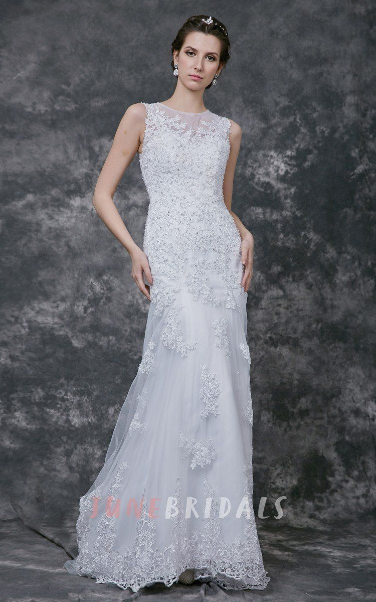 Luxurious sleeveless formfitted lace gown with sheer back u june