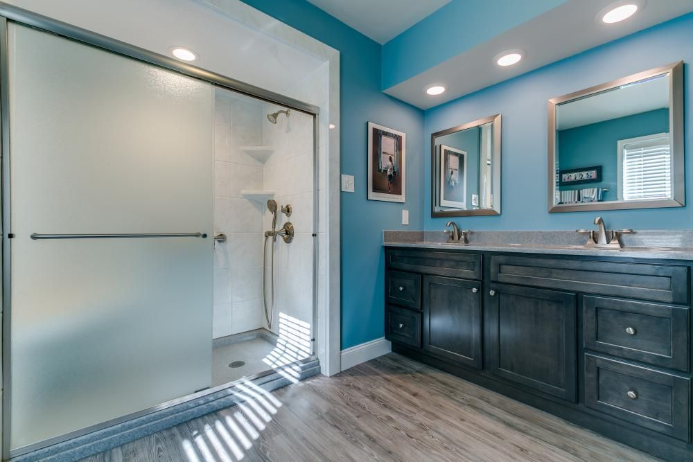 Bathroom Remodeling Projects And Also Ideas To Assist You Provide Your Bathroom A Makeover Bathroomideas Bathroomremodel Bathrooms