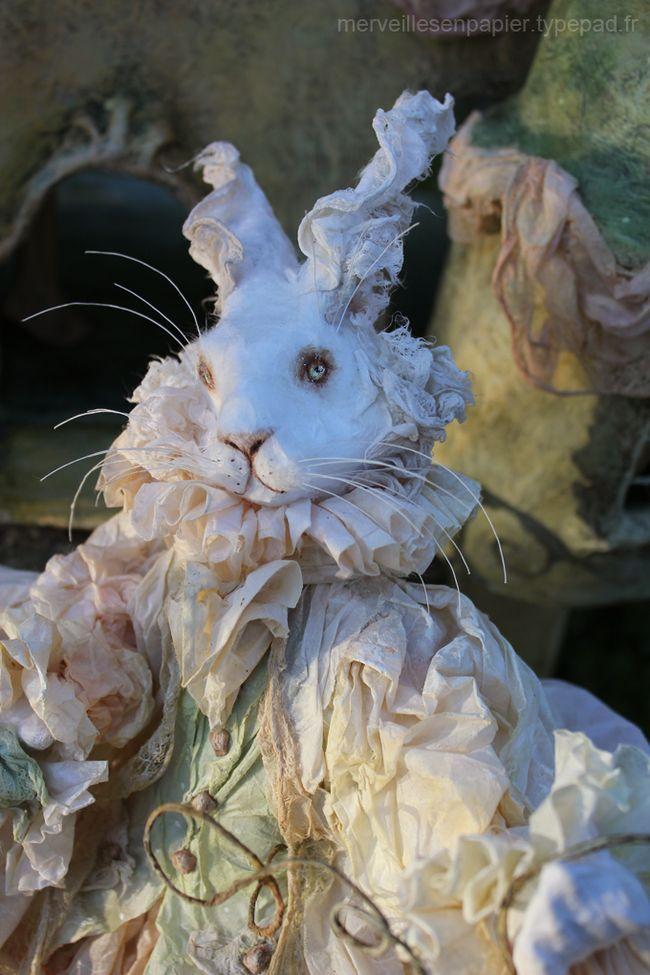 alice et la maison du lapin blanc paper mache art paper mache papier mache rabbit art. Black Bedroom Furniture Sets. Home Design Ideas