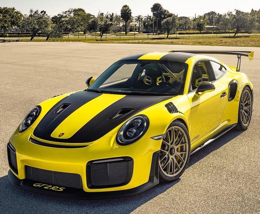 Colors Of Porsche On Instagram C Carswatchesnmore A Gt2 Rs In Racing Yellow Racing Yellow 1s1 Racin Coches Deportivos Coches Exoticos Coches Modificados