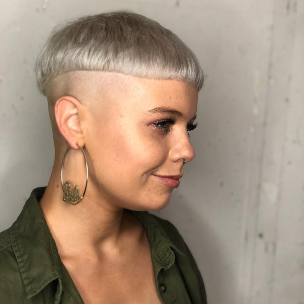 Haircut Headshave And Bald Fetish Blog For People Who Are Looking For Bald Fetish Or Haircut Fetish Images Who Want To See Extreme Hairstyles