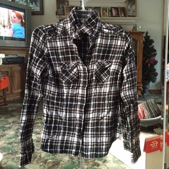 Flannel! Super cute black and white flannel! Size small:) Tops