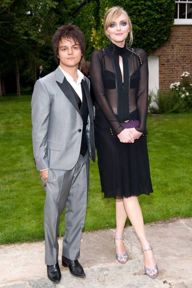 Fotos von Frauen Hookup Shorter Men Taller