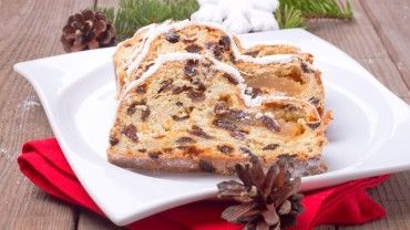 A delicious Christmas bread packed with dried fruits, marzipan and all the flavours of Christmas. eumom's recipe for a festive Christmas cake alternative