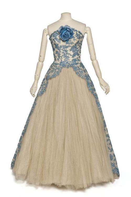 Dress Pierre Balmain, 1950s Les Arts Décoratifs