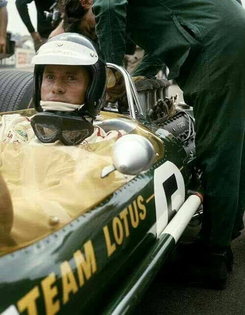 1967 British GP, Silverstone : Jim Clark, Lotus-Ford 49 #5, Team Lotus, Winner (ph: © Schlegelmilch)
