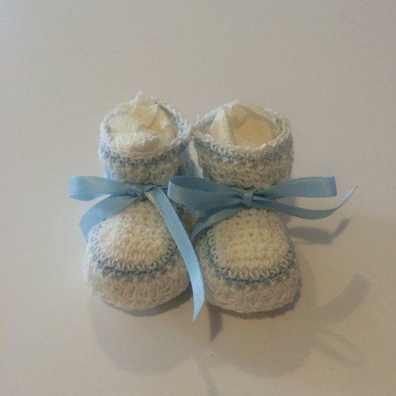Hey, diesen tollen Etsy-Artikel fand ich bei https://www.etsy.com/de/listing/224653426/neugeborenes-gehakelte-baby-booties-mit