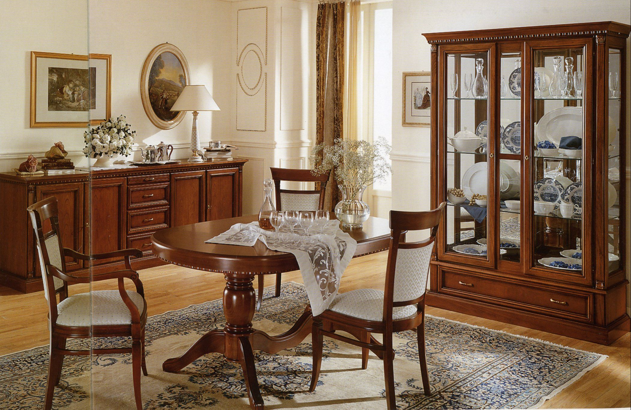 Traditional wooden dining room furniture sets with buffet cabinets