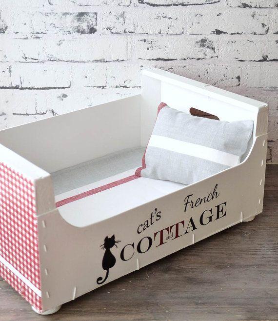 Lit de chat recyclé Fait de caisse de fruits en bois, appliquée à - peindre un lit en bois