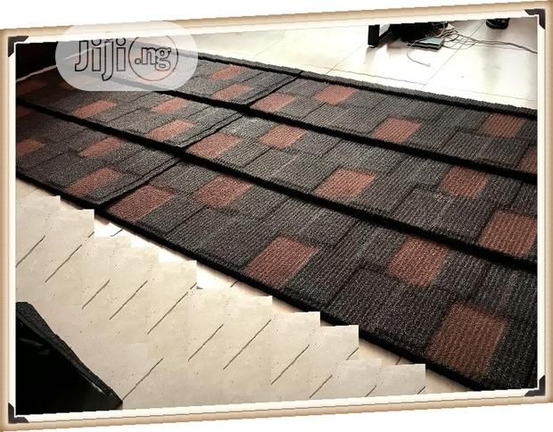 0 55 New Zealand Gerard Stone Coated Roof Tiles Bond In 2020 Roof Tiles Cool Roof Unique Flooring
