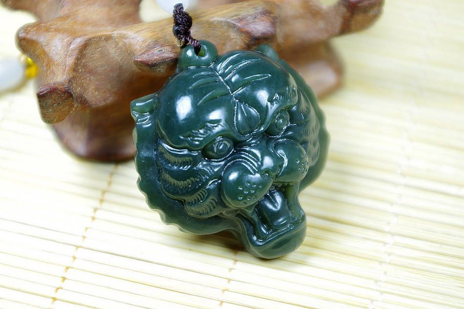 Natural chinese hetian jade carving tiger head jade pendant natural chinese hetian jade carving tiger head jade pendant necklaces mozeypictures Gallery