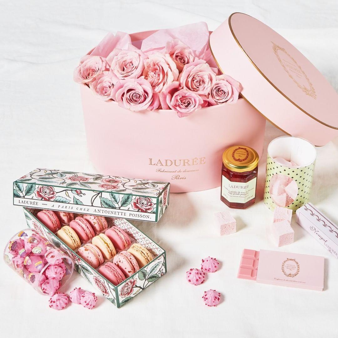 Idee Cadeau A Paris.Laduree Paris Officiel On Instagram A La Recherche D Une