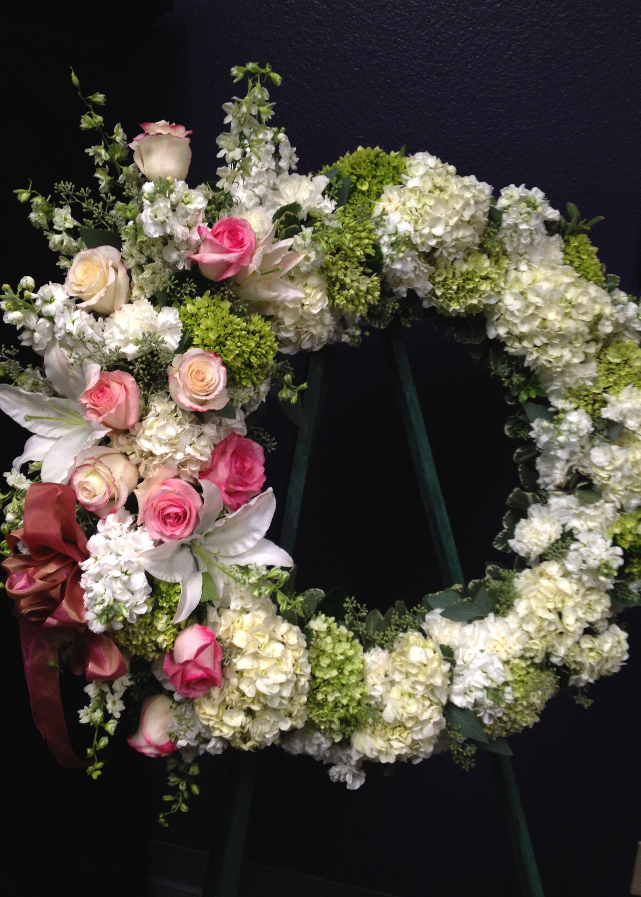 Pink and white wreath sympathy flowers wreathes swags pink and white wreath sympathy flowers funeral dhlflorist Gallery