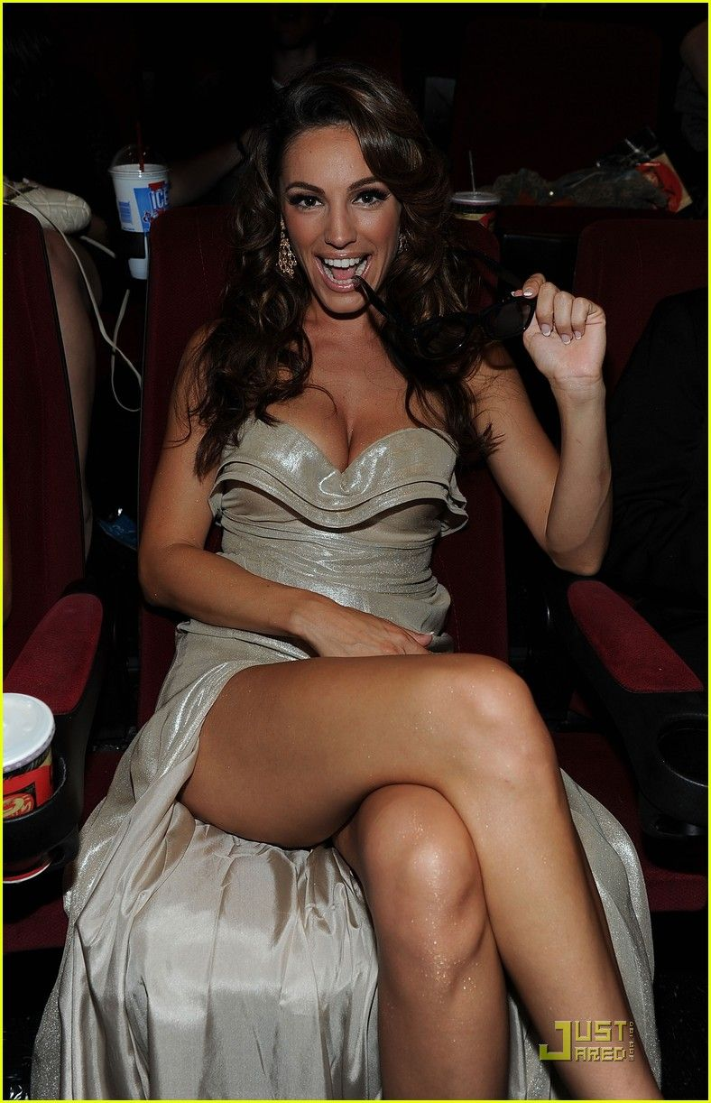 oak brook cougar women Cougar life is the perfect place to start if you are searching for cougars in the city in fact, they were our top-rated cougar dating site for chicago meeting fun, interesting older women doesn't get any quicker any easier if you don't have a lot of time to spend in a bar or club.