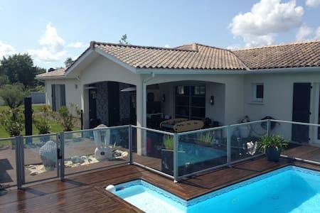 Villa 180m2 avec piscine sur le Bassin d\u0027Arcachon - Villa Idées - Gites De France Avec Piscine Interieure