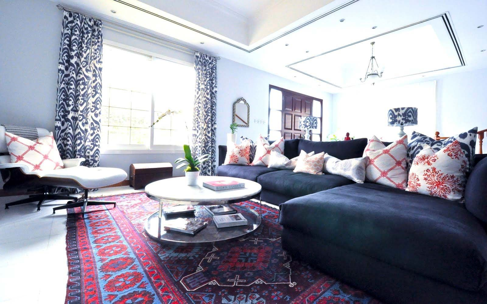 Persian carpets create a classic modern style living room