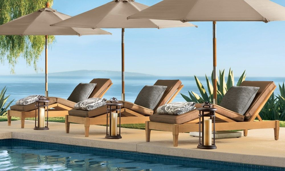 This makes me want to lounge by the pool all day.