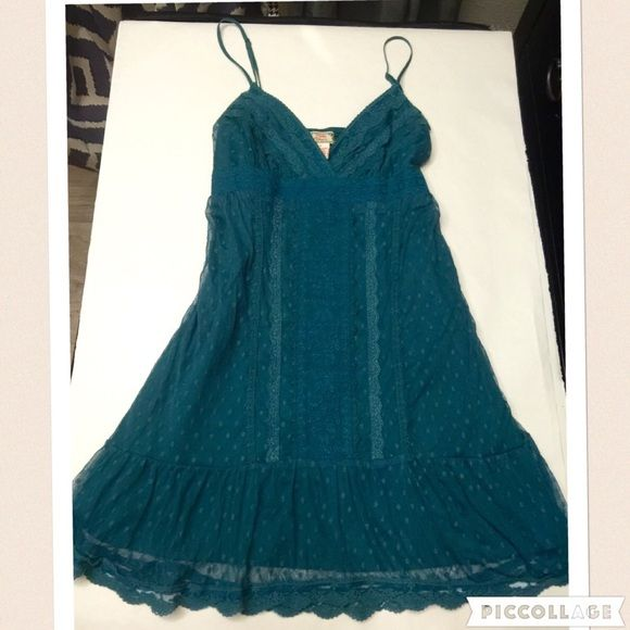 Flying Tomato lace sundress SIZE small 70% polyester30% nylonbeautiful rich color , lined, girlie girl summer dress ️SIZE SMALL Flying tamato Dresses