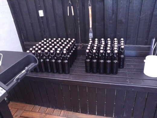Ølbrygning i udekøkkenet (flaskning)