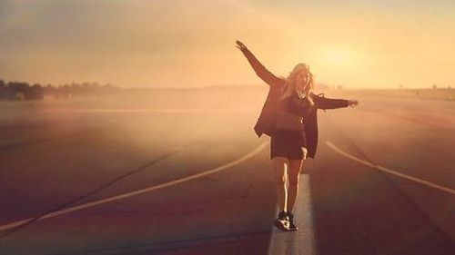 Neues von Art of Living: Sängerin Ellie Goulding braucht nur eine Droge - ihre Yoga-Übungen. Lies den ganzen Artikel: http://ift.tt/1qvVPbP #Yoga #Meditation #EllieGoulding
