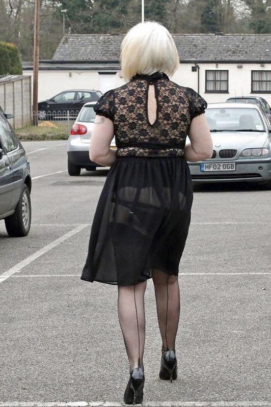 pissing nylons Glamour in garters ladies