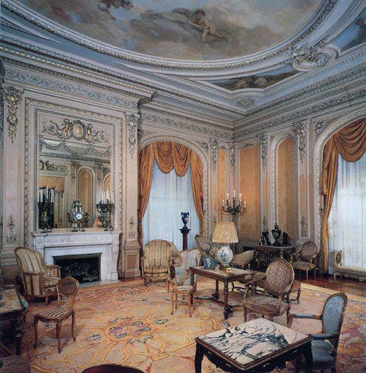 Whitehall Salon