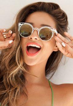 Si eres de #cara cuadrada o alargada, los #lentes #redondeados suavizarán tus facciones. #Summer #Sunglasses #Style #Fashion #Tips
