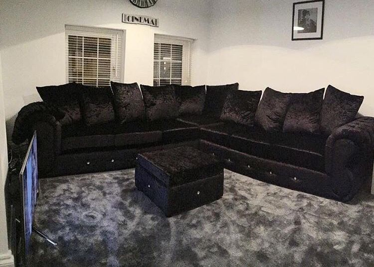 Crushed black velvet sofa & grey carpet. | home sweet home <3 in ...