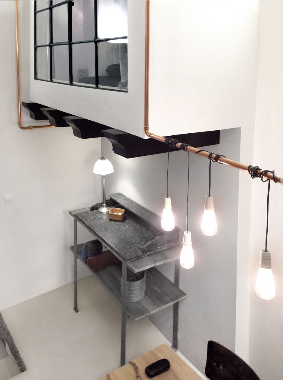 Men Budapesti Laksok Stt Belvrosibl Napfnyes Otthon Wiring A Light Fixture Black Wire Tiny Contemporary Split Level Studio Apartment In Budapest Featuring Loads Of White Wooden Furniture Wires And Bit Glass