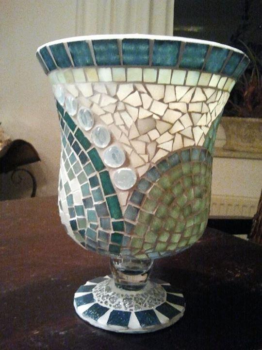 Vase aus Glas ca. 45cm hoch, Glasmosaik und Tiffany-Glas mit Glasnuggets
