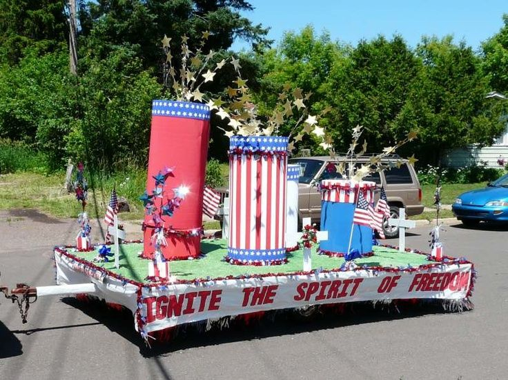 july 4th parade floats