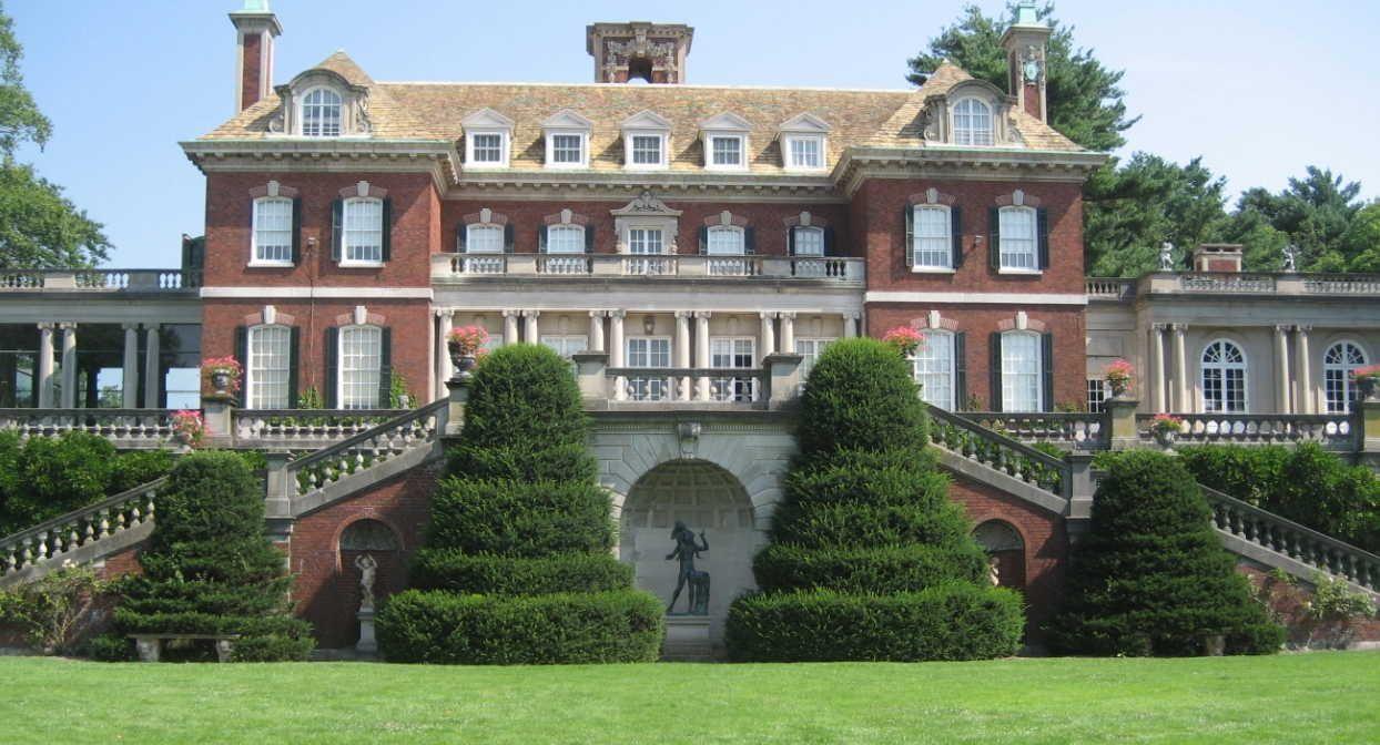 Back of old westbury mansion on long island random for Big estates for sale