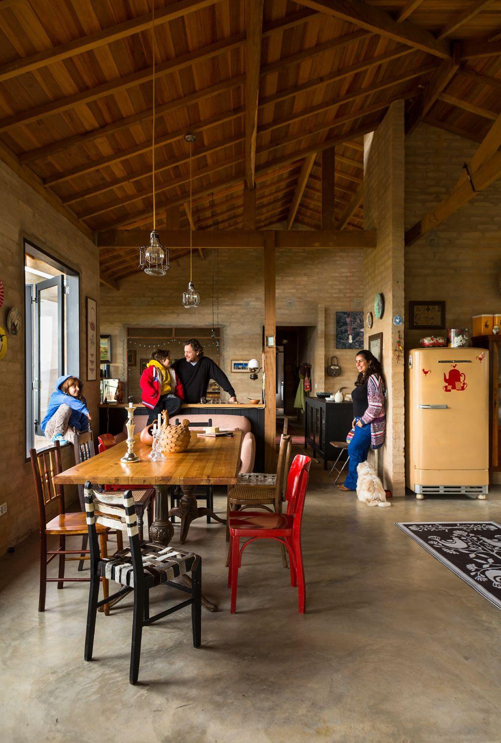 Casa de campo r stica de cimento queimado e tijolos - Ideas para construir casas campo ...