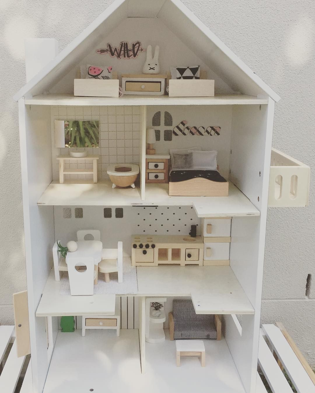 My Little Kmart Dollhouse Is Still On Ebay One Day Left To Go Before Auction Ends I Even Gave It A Mini M Doll House Plans Diy Dollhouse Furniture Doll House