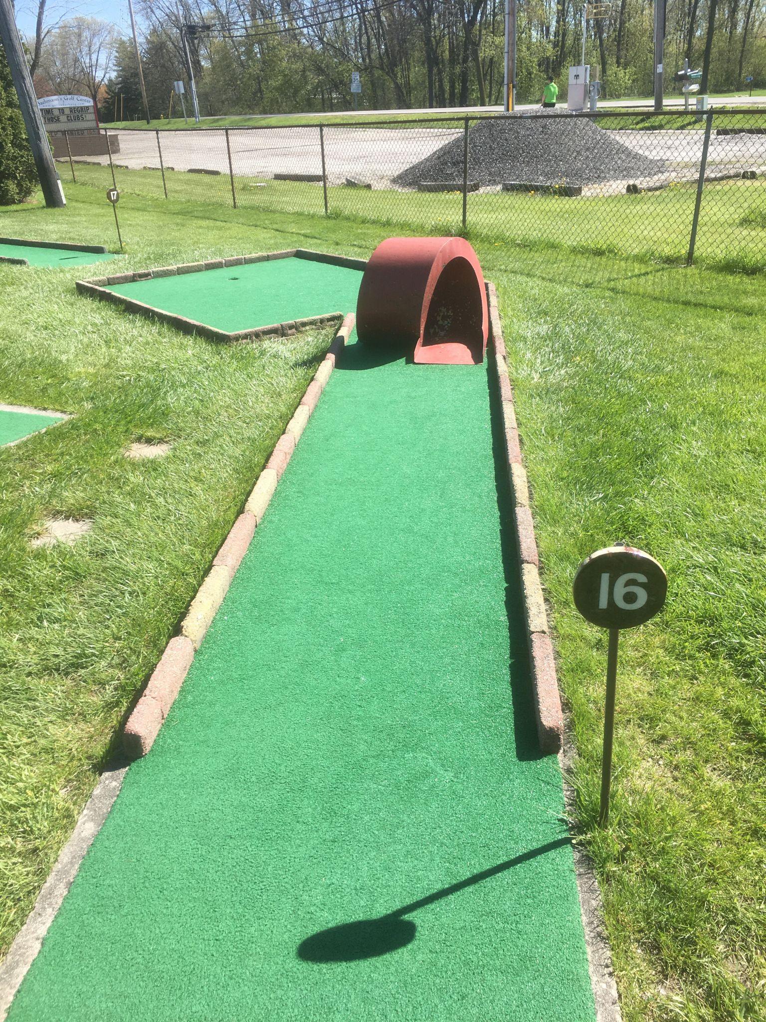 Baehmann S Golf Center Mini Golf Reviews Mini Golf Miniature Golf Course Golf Courses