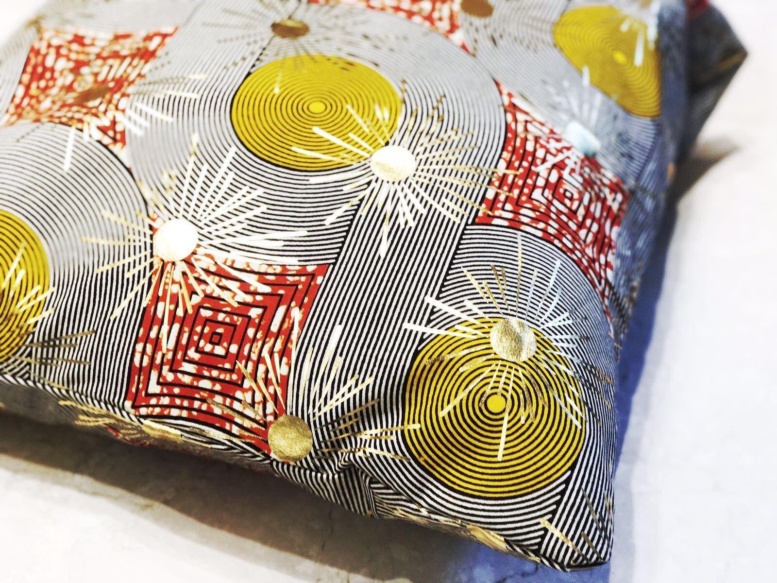 Cuscini Color Oro.Nuova Collezione Cuscini Tessuto In Cotone Con Inserti Color Oro